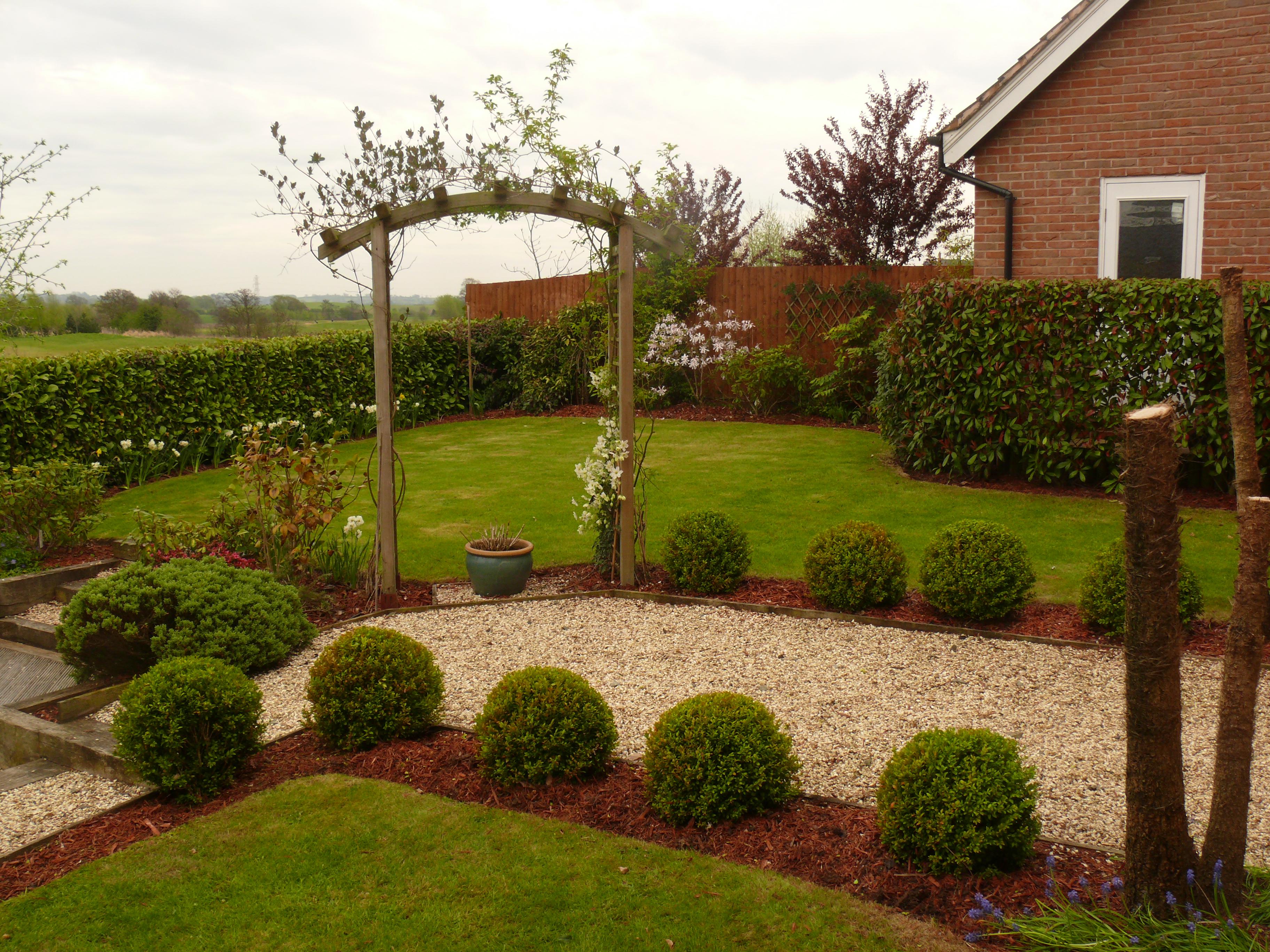 Topiary, Ball, Bark, Border, Gravel, Edging, Lawn Mowing, Wychwood Park Jones 3