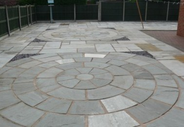 Large Circular Patio - Perfect for Patio Furniture
