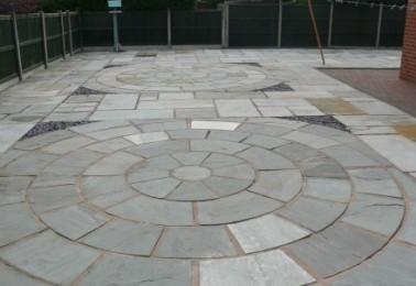 Large Circular Patio - Perfect for Patio Furniture