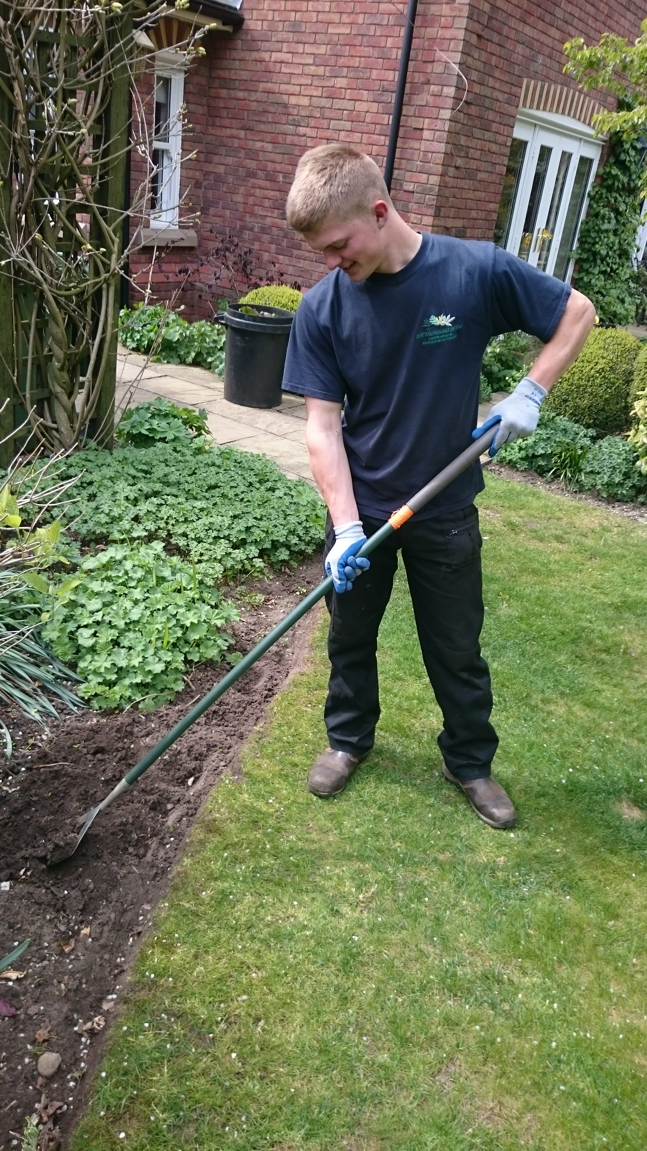 Hoeing Border in Knutsford