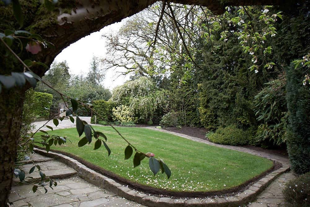 Gardener in Holmes Chapel