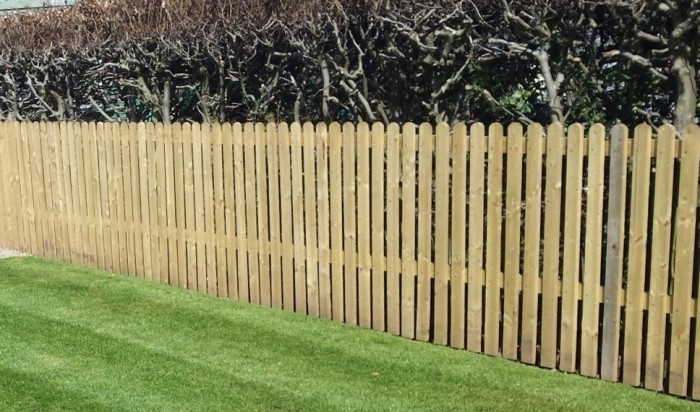 Picket style fencing