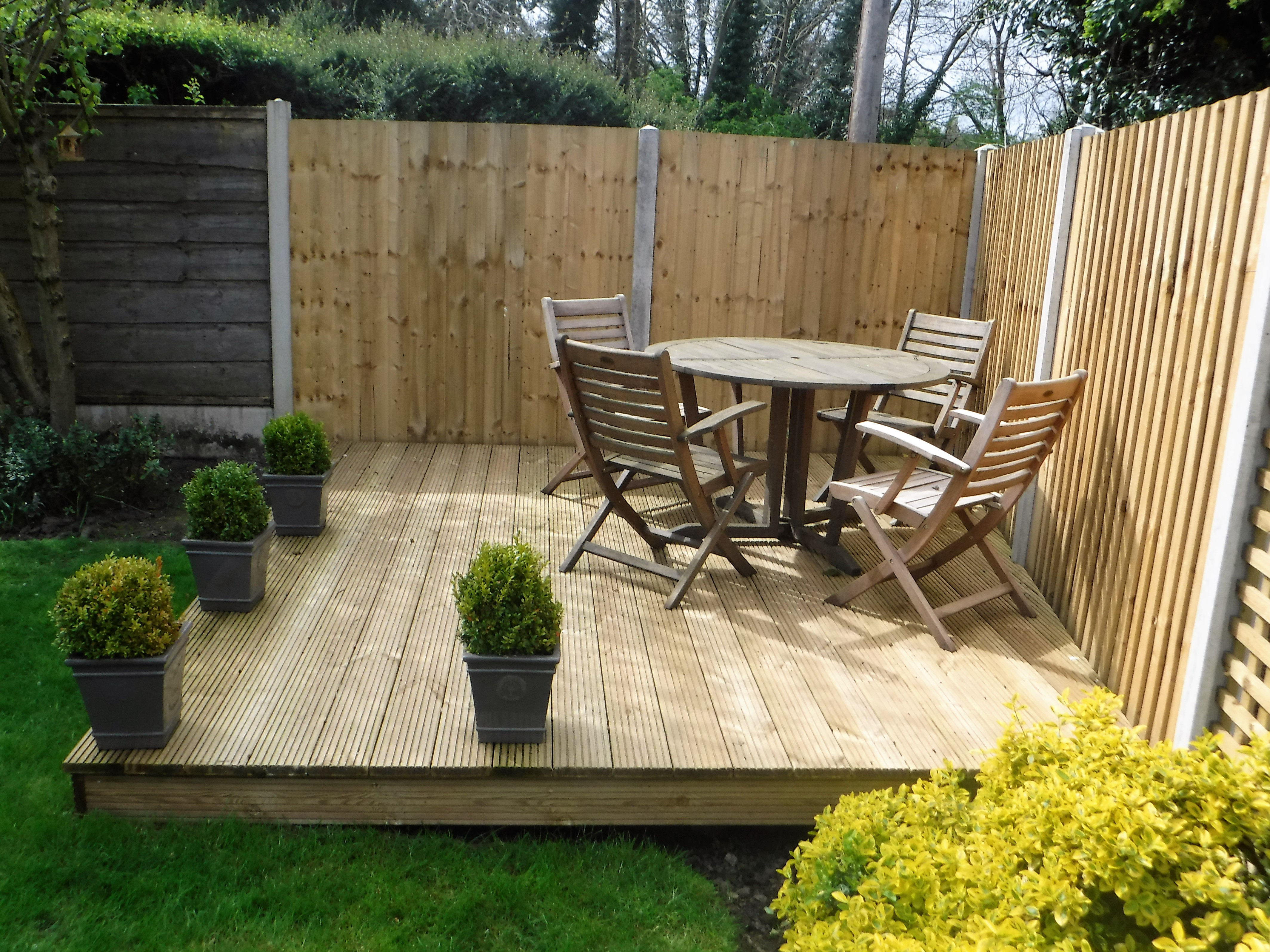 Decking and Fencing - Alfresco Dining