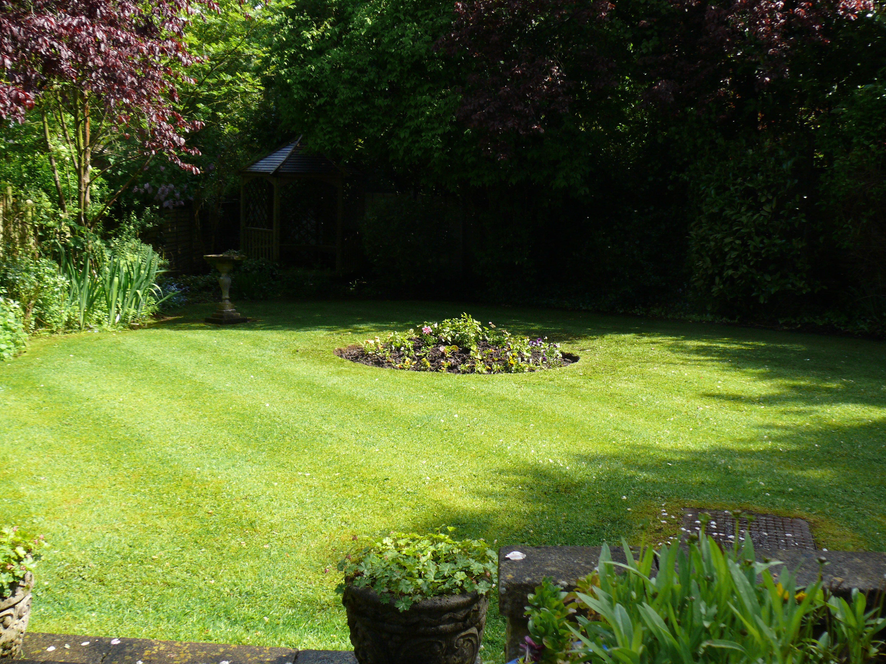 Mowing and edging of lawn - Gardener in Stoke-on-Trent