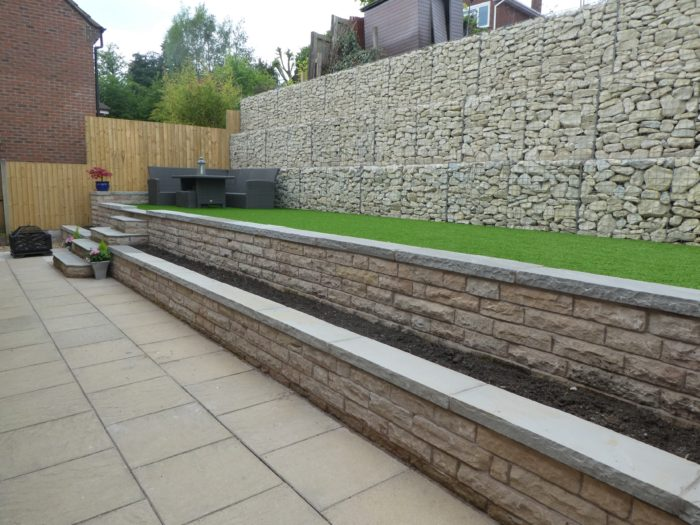 Drive and retaining wall image