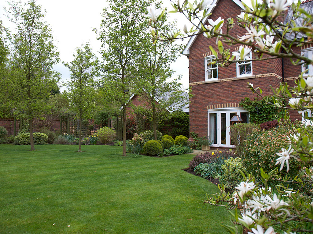 Professional Gardener in Brown Edge