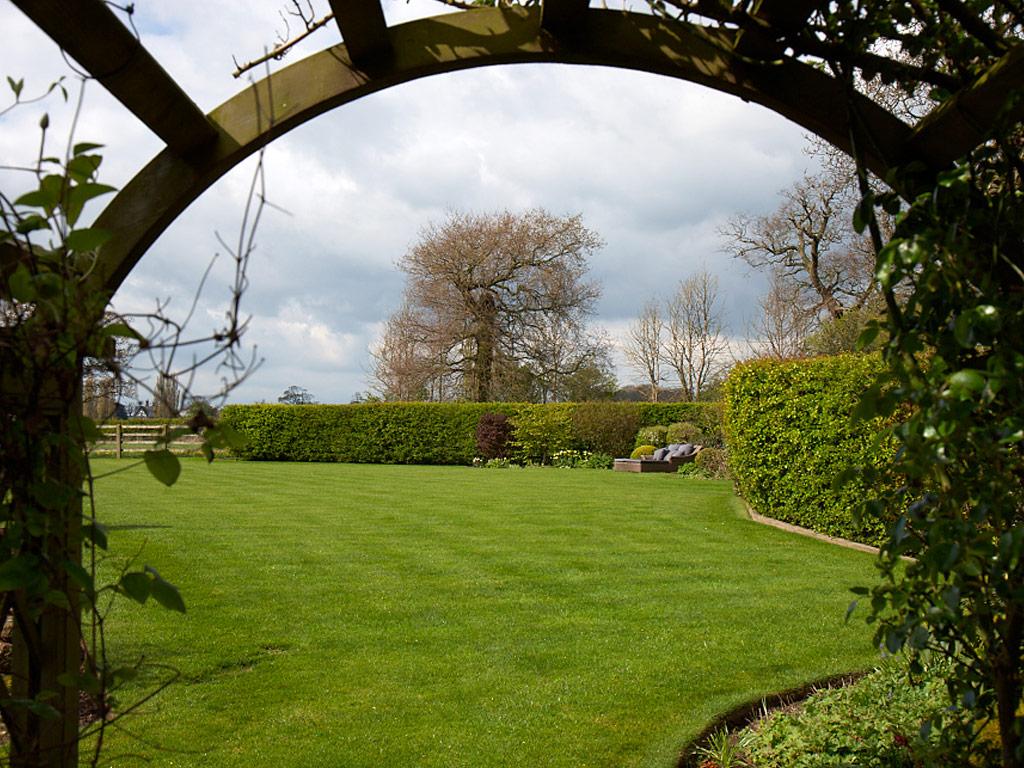 Professional Gardener in Haslington
